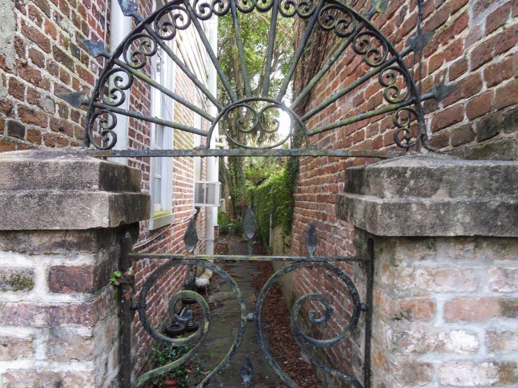 Charleston Alleys 07